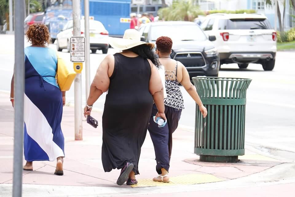 Em 10 anos, população obesa no Brasil passou de 11,8% em 2006 para 18,9% em 2016.